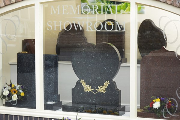 Reducing the cost of memorials Dignity