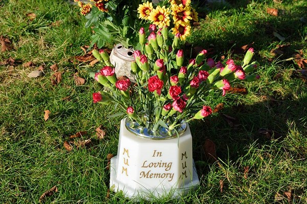 Engraved memorial vases