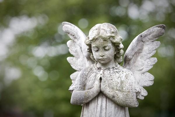 Memorial statues Dignity
