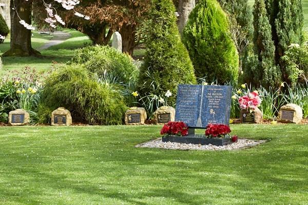 Memorial plaques   Dignity Funerals