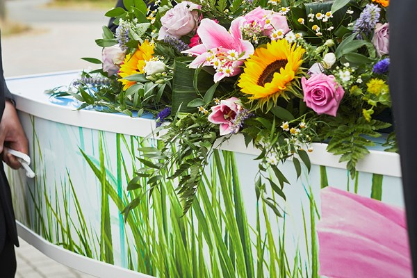 A DECORATIVE AND PICTURE COFFIN | Dignity Funerals